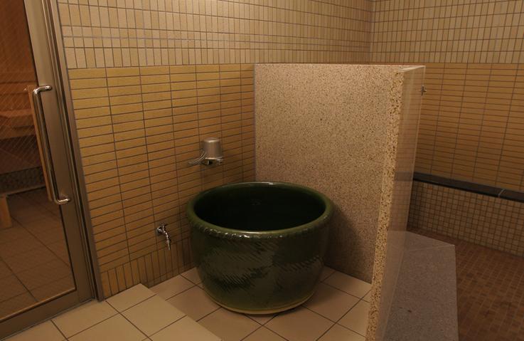 水風呂02_737x479..jpg